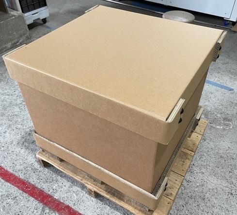 強化段ボールは木箱と同程度の耐久性があり、かつ、環境に配慮した再生可能資源を利用しております。